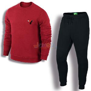 Sweater rouge Chicago et pantalon jogging